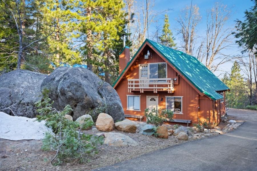Real Estate Photography - 40980 Skyline Dr, Emigrant Gap, CA, 95715 - Boulder Cabin