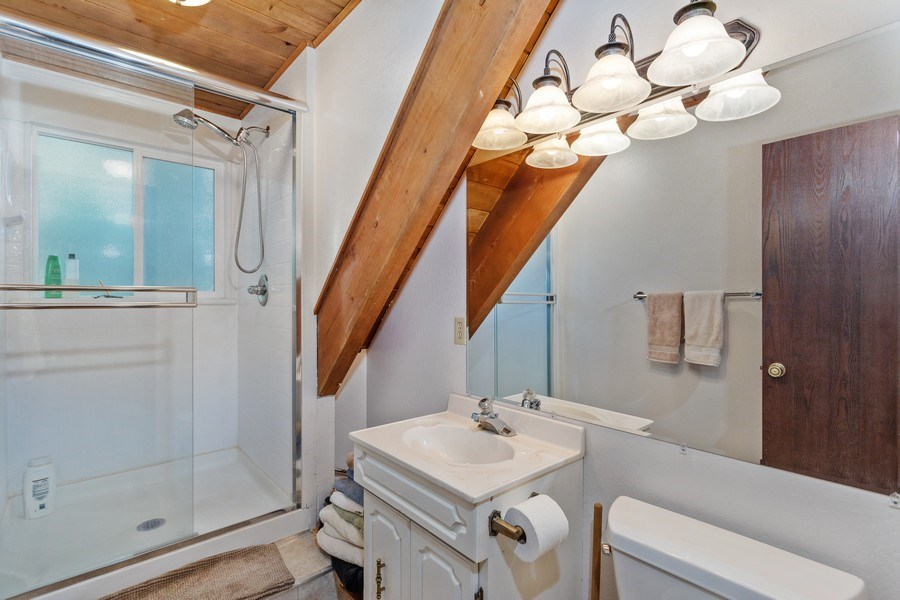 Real Estate Photography - 40980 Skyline Dr, Emigrant Gap, CA, 95715 - Upstairs 2nd bathroom