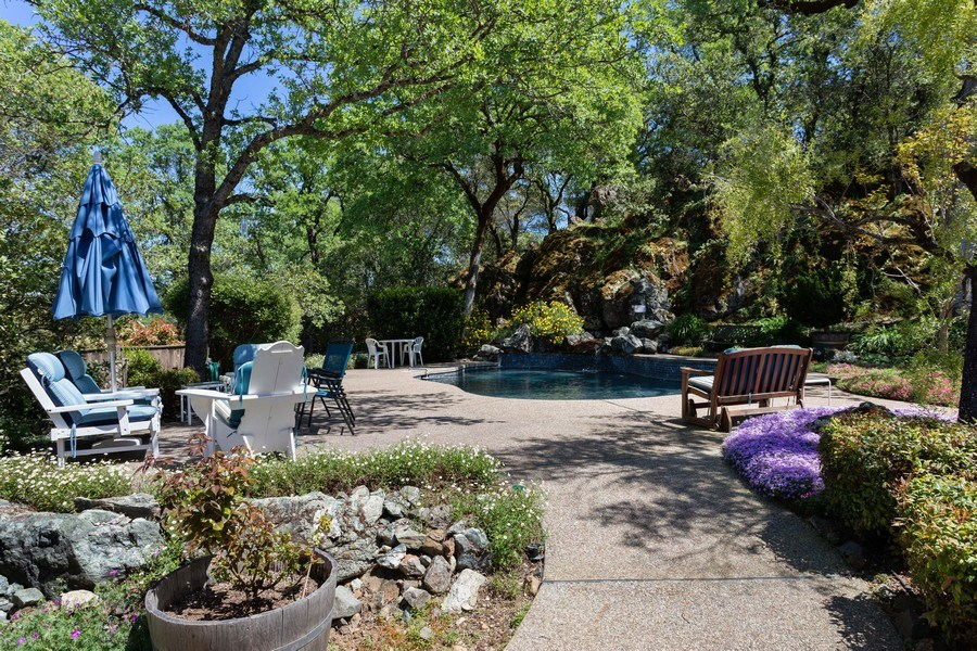 Real Estate Photography - 3570 Skyview Dr, Auburn, CA, 95602 - Walkway going to the pool area.