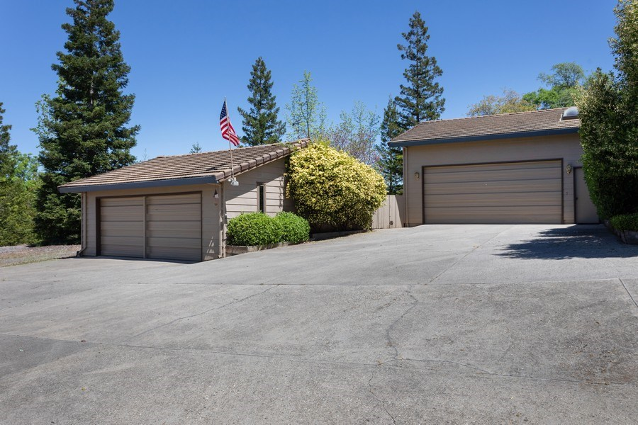 Real Estate Photography - 3570 Skyview Dr, Auburn, CA, 95602 - Total 4-car garages