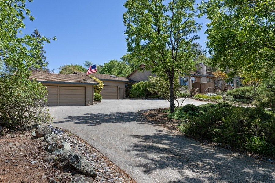 Real Estate Photography - 3570 Skyview Dr, Auburn, CA, 95602 - Front View