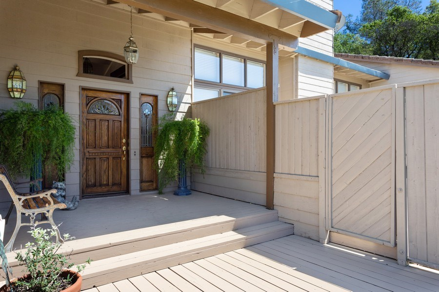 Real Estate Photography - 3570 Skyview Dr, Auburn, CA, 95602 - Welcoming front porch