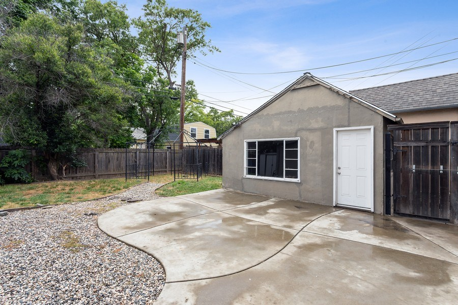 Real Estate Photography - 3172 T Street, Sacramento, CA, 95816 - Back Yard