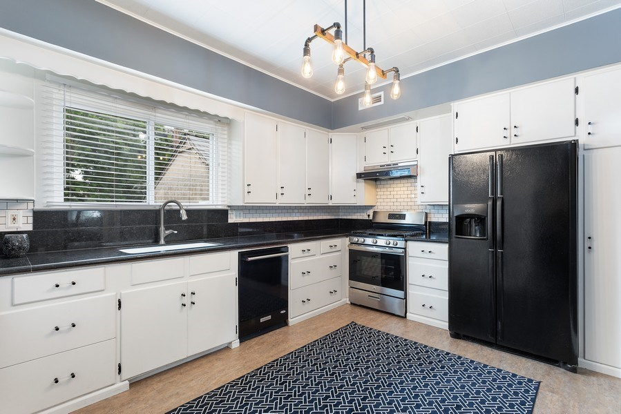 Real Estate Photography - 3172 T Street, Sacramento, CA, 95816 - Kitchen