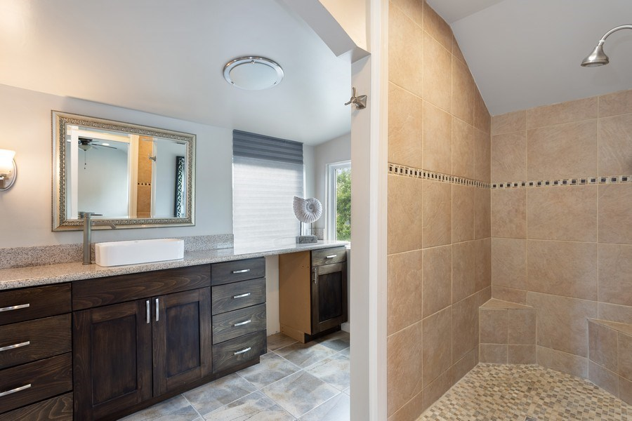 Real Estate Photography - 3172 T Street, Sacramento, CA, 95816 - 2nd Bathroom