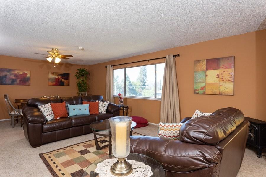 Real Estate Photography - 1370 Wesley Lane, Auburn, CA, 95603 - Living Room