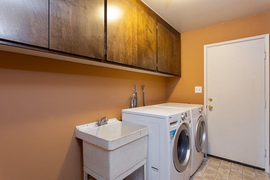 Real Estate Photography - 1370 Wesley Lane, Auburn, CA, 95603 - Laundry Room