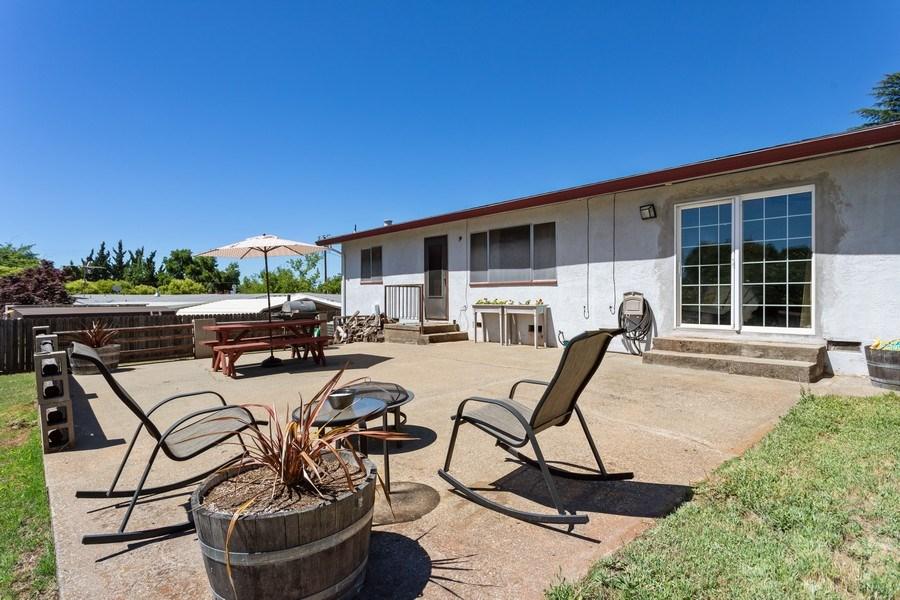 Real Estate Photography - 1370 Wesley Lane, Auburn, CA, 95603 - Patio