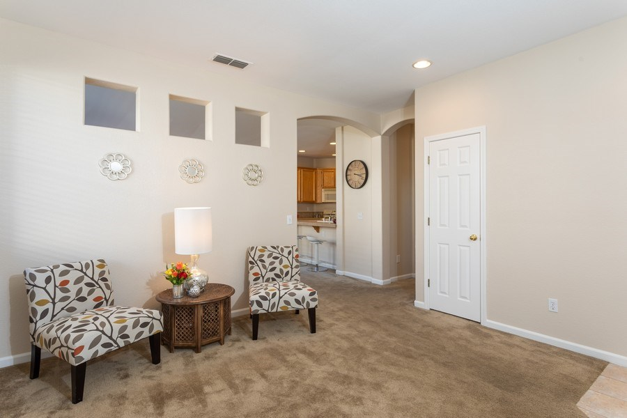 Real Estate Photography - 2799 Meadowland Way, Lincoln, CA, 95648 - Living Room