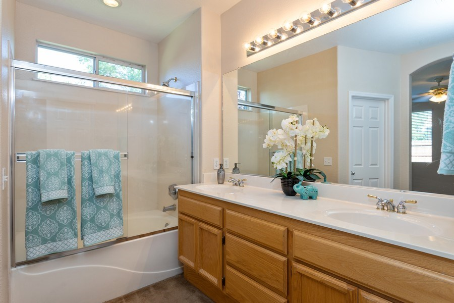 Real Estate Photography - 2799 Meadowland Way, Lincoln, CA, 95648 - Master Bathroom
