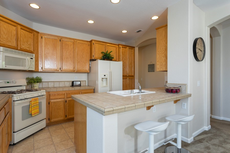 Real Estate Photography - 2799 Meadowland Way, Lincoln, CA, 95648 - Kitchen
