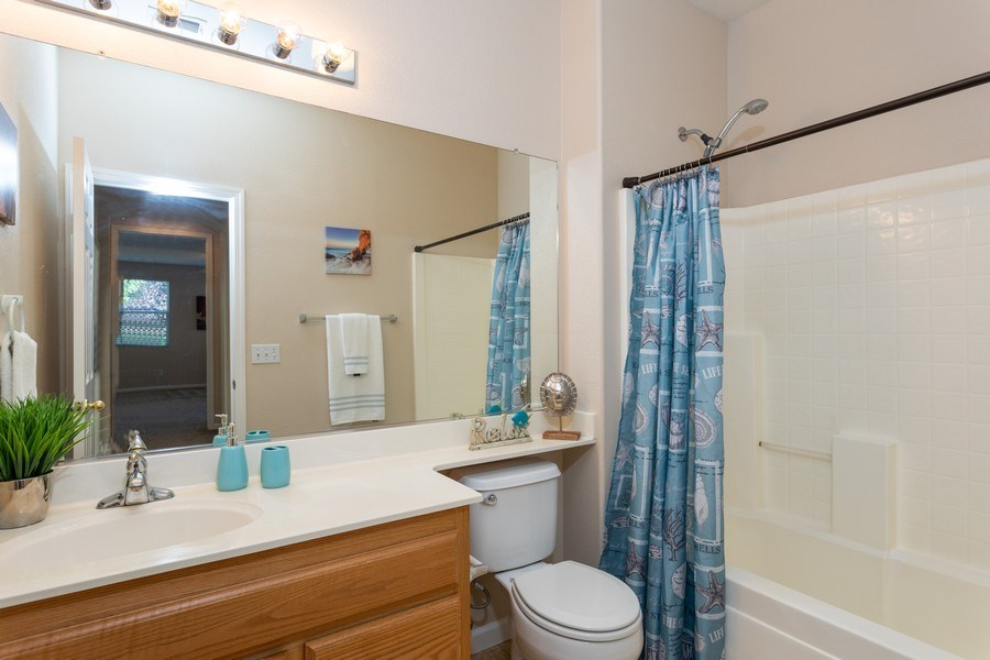 Real Estate Photography - 2799 Meadowland Way, Lincoln, CA, 95648 - Bathroom