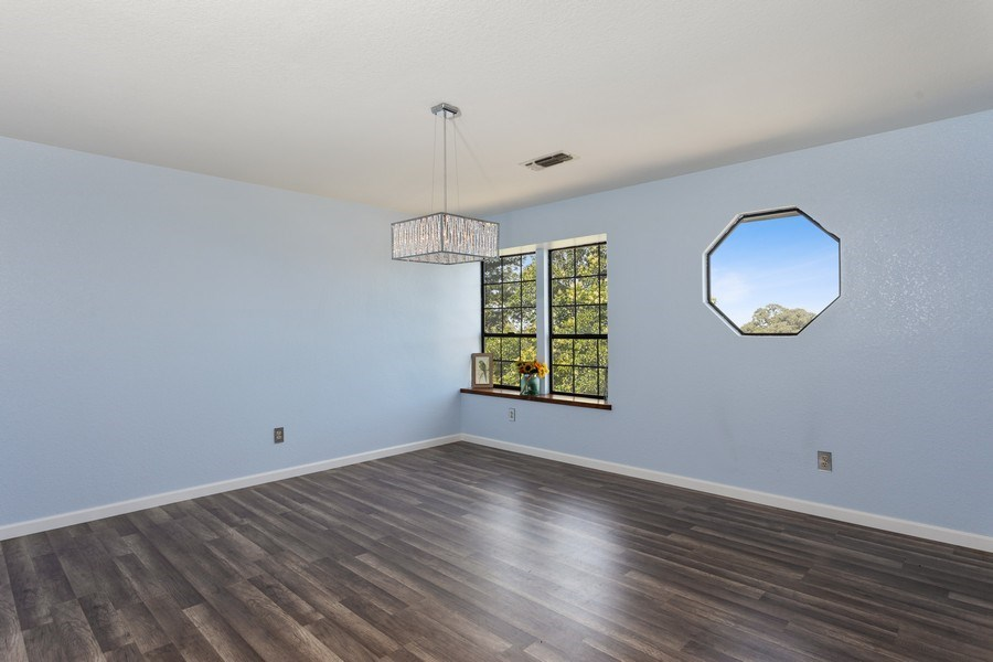 Real Estate Photography - 12500 Erin Dr, Auburn, CA, 95603 - Living Room