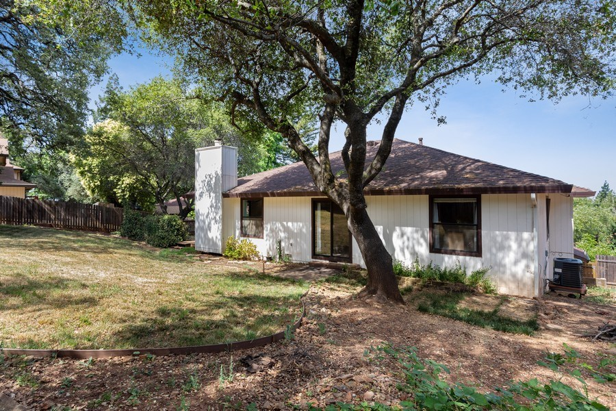 Real Estate Photography - 12500 Erin Dr, Auburn, CA, 95603 - Rear View