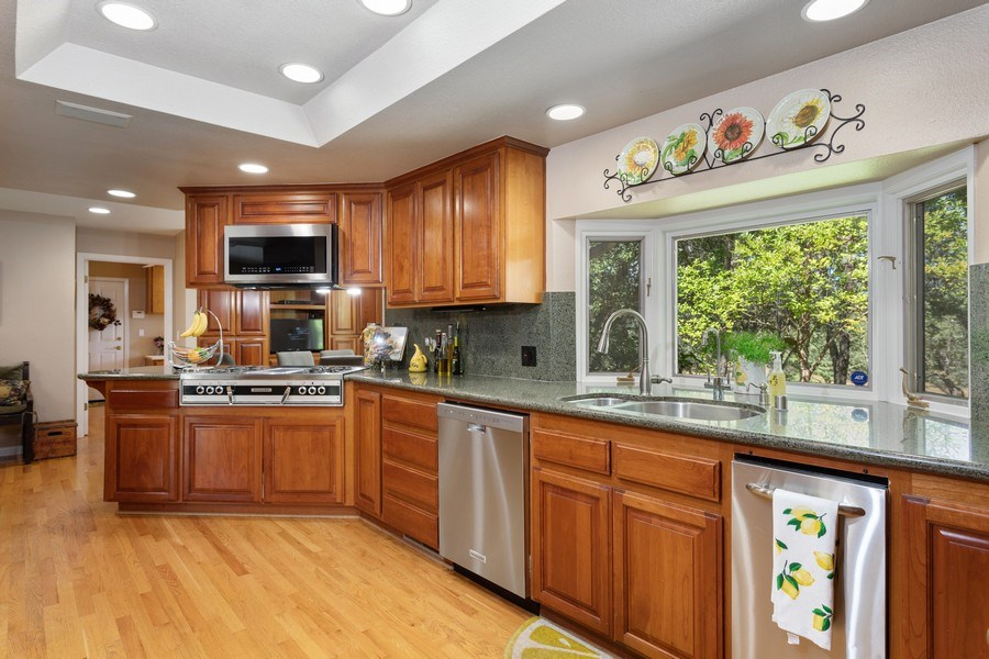 Real Estate Photography - 13485 Moss Rock Drive, Auburn, CA, 95602 - Kitchen