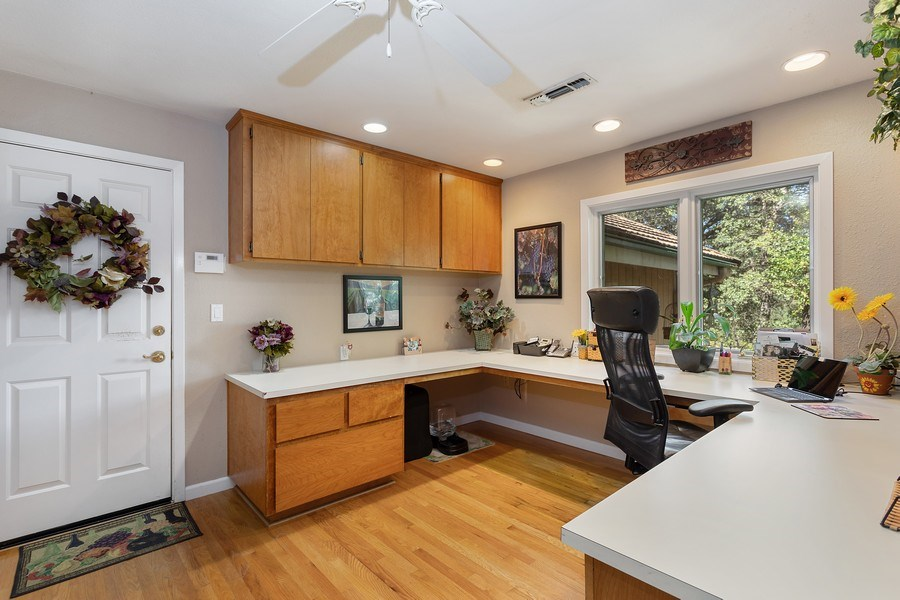 Real Estate Photography - 13485 Moss Rock Drive, Auburn, CA, 95602 - Office