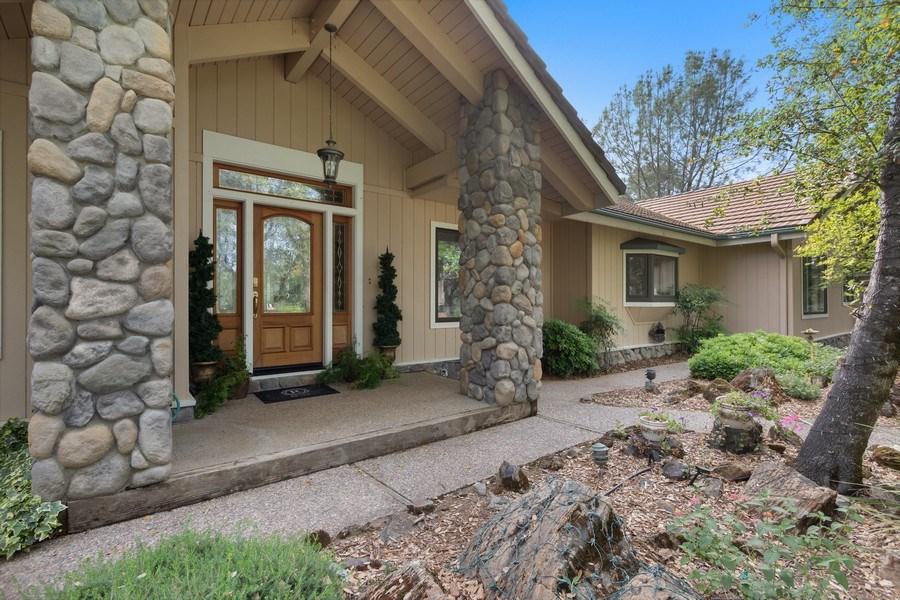 Real Estate Photography - 13485 Moss Rock Drive, Auburn, CA, 95602 - Porch