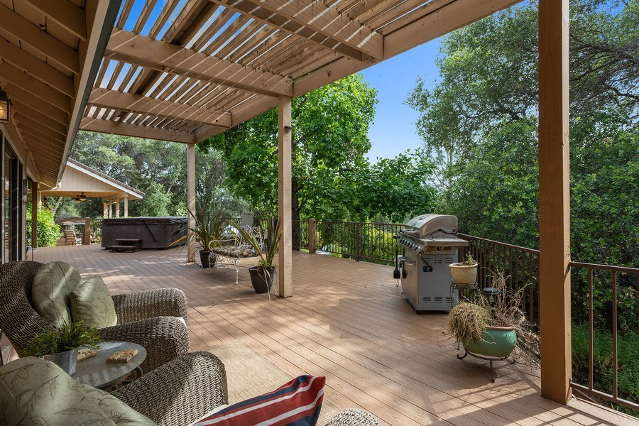 Real Estate Photography - 13485 Moss Rock Drive, Auburn, CA, 95602 - Deck