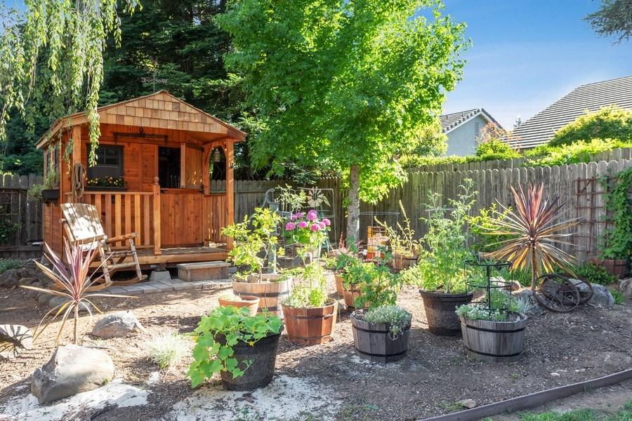 Real Estate Photography - 2639 Emmet Dr., Auburn, CA, 95603 - Back Yard