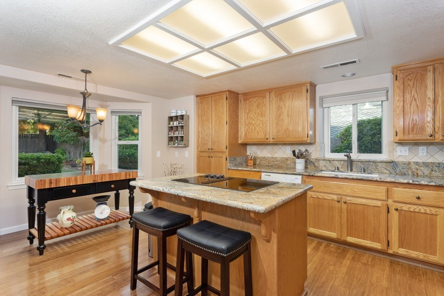 Real Estate Photography - 2639 Emmet Dr., Auburn, CA, 95603 - Kitchen