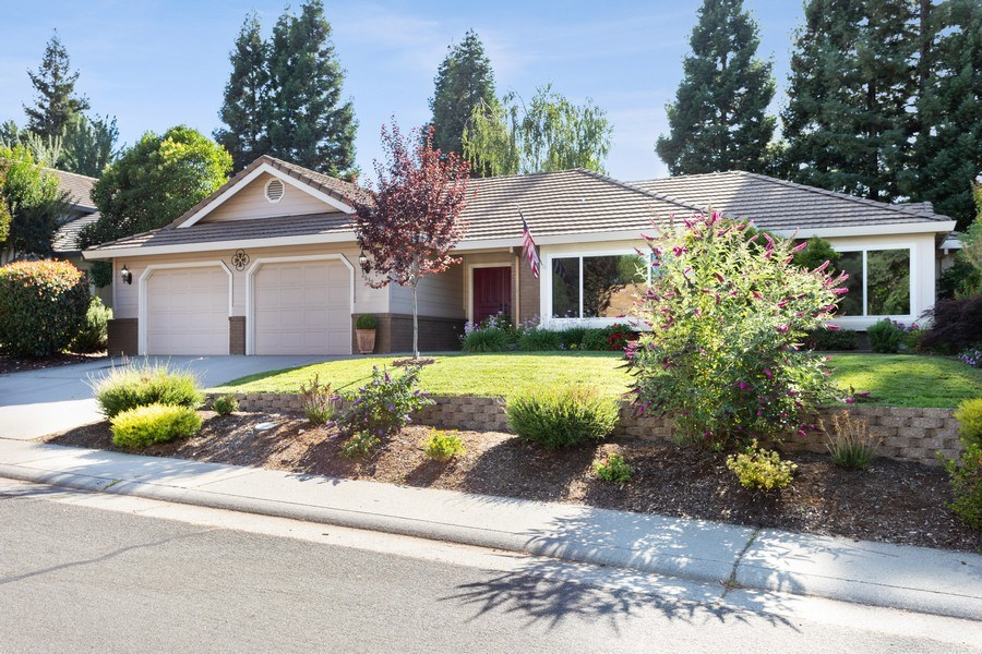 Real Estate Photography - 2639 Emmet Dr., Auburn, CA, 95603 - Front View