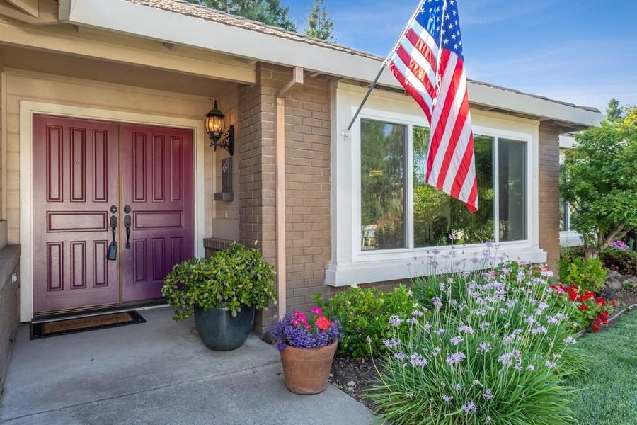 Real Estate Photography - 2639 Emmet Dr., Auburn, CA, 95603 - Porch