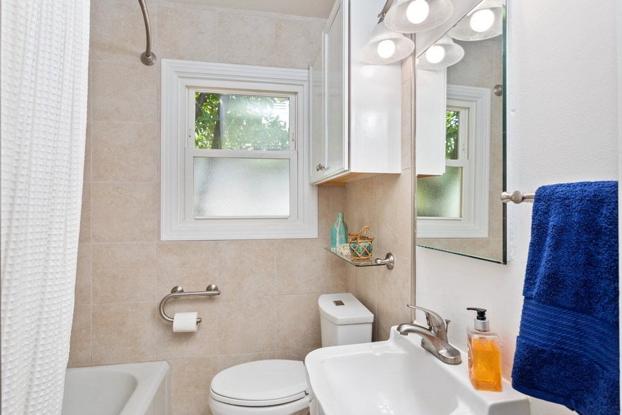 Real Estate Photography - 2780 San Luis Court, Sacramento, CA, 95818 - Bathroom