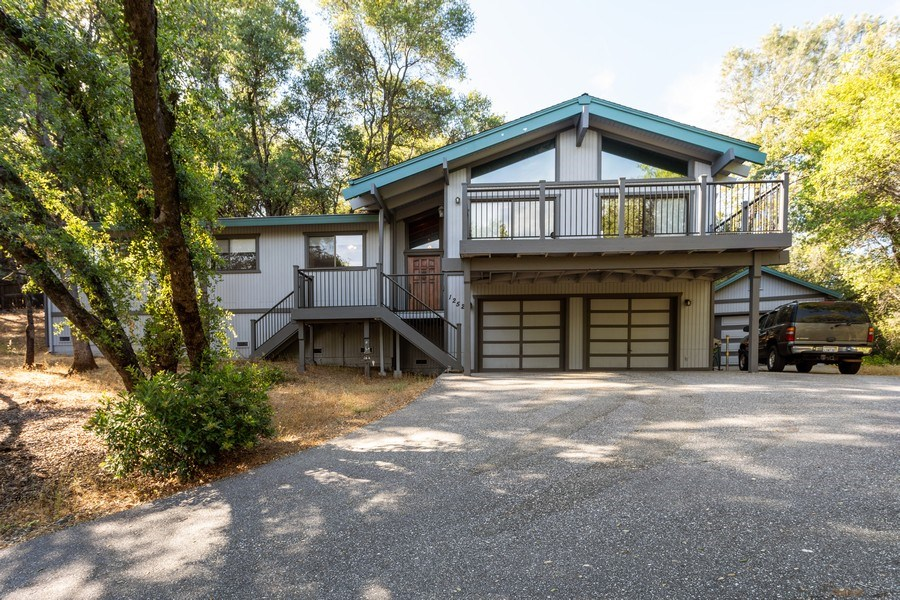 Real Estate Photography - 12521 Incline Drive, Auburn, CA, 95603 - Front View