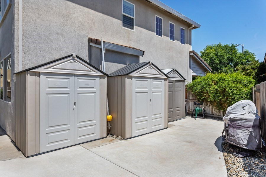 Real Estate Photography - 760 Elston Circle, Woodland, CA, 95776 - Side Yard
