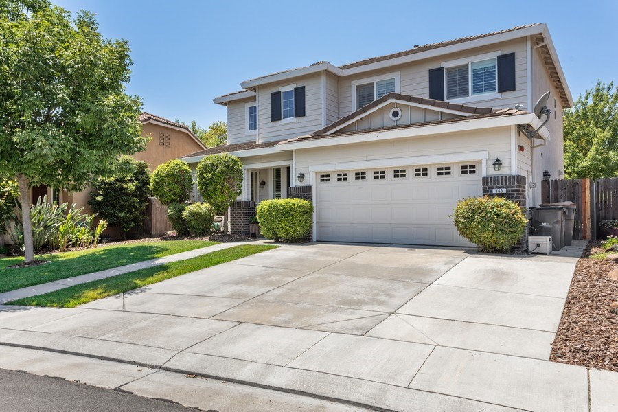 Real Estate Photography - 760 Elston Circle, Woodland, CA, 95776 - Front View