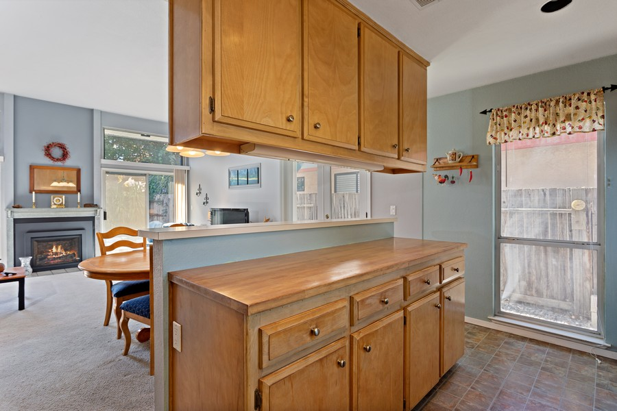 Real Estate Photography - 812 Donovan Court, Davis, CA, 95618 - Kitchen