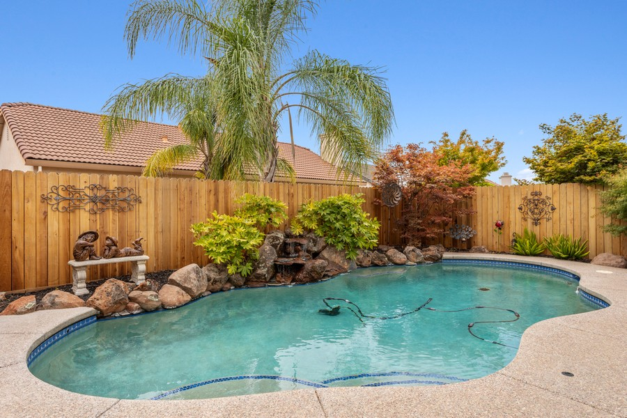 Real Estate Photography - 1809 San Carlos Cir, Roseville, CA, 95747 - Pool