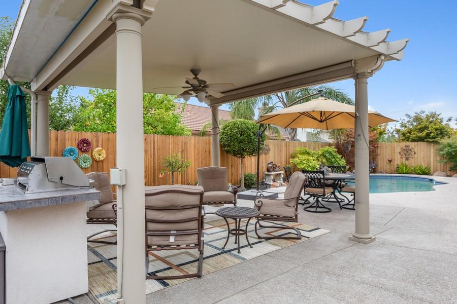 Real Estate Photography - 1809 San Carlos Cir, Roseville, CA, 95747 - Patio