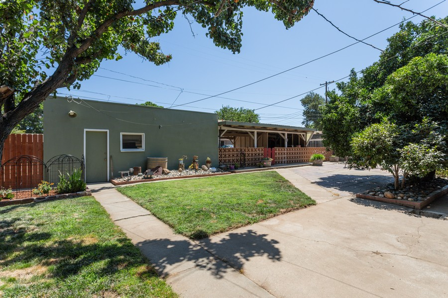 Real Estate Photography - 645 M Street, Lincoln, CA, 95648 - Back Yard