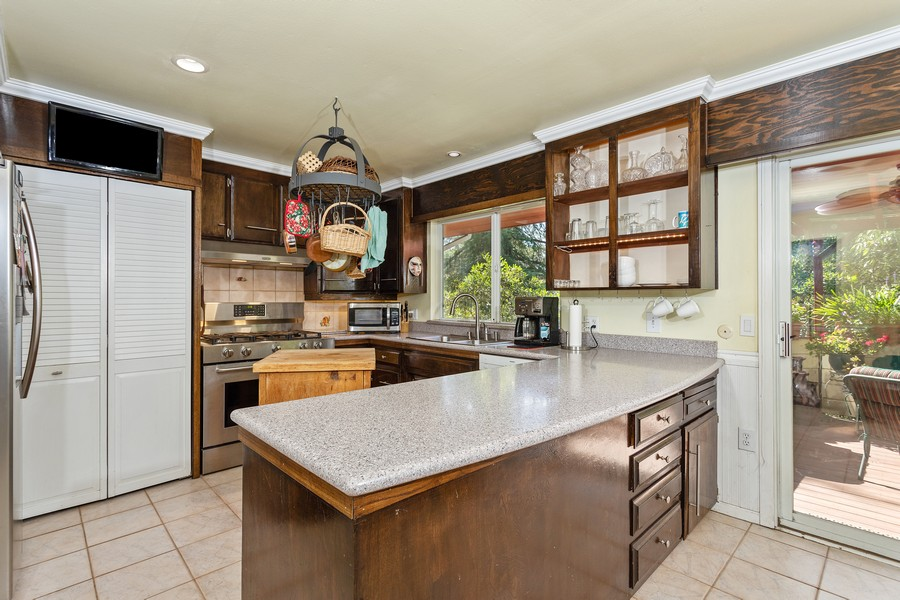 Real Estate Photography - 990 Auburn Ravine Rd, Auburn, CA, 95603 - Kitchen