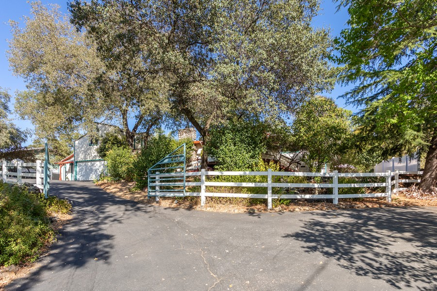 Real Estate Photography - 990 Auburn Ravine Rd, Auburn, CA, 95603 - Front View