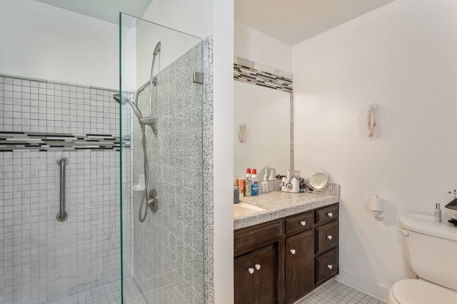 Real Estate Photography - 990 Auburn Ravine Rd, Auburn, CA, 95603 - Bathroom