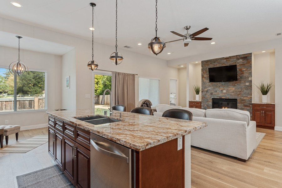 Real Estate Photography - 3205 Oxford Road, Cameron Park, CA, 95682 - Kitchen