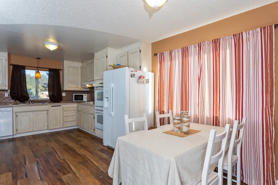 Real Estate Photography - 1370 Wesley Lane, Auburn, CA, 95603 - Kitchen / Breakfast Room