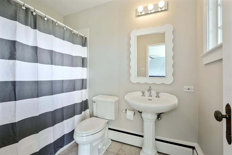 Real Estate Photography - 32 Oak Knoll Road, Barrington Hills, IL, 60010 - 2nd Bathroom