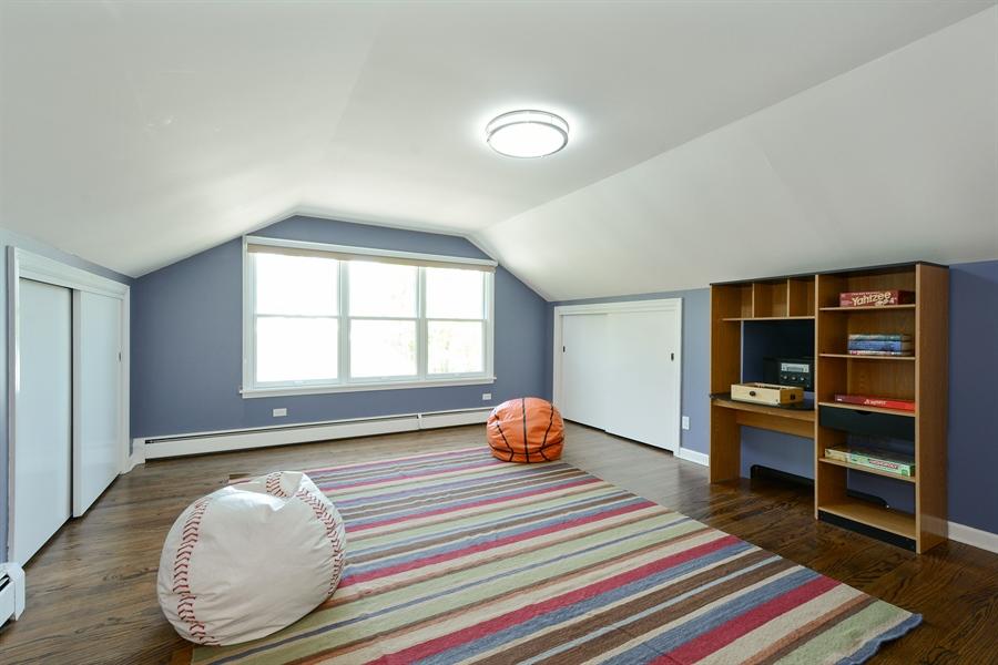 Real Estate Photography - 32 Oak Knoll Road, Barrington Hills, IL, 60010 - Bedroom 5