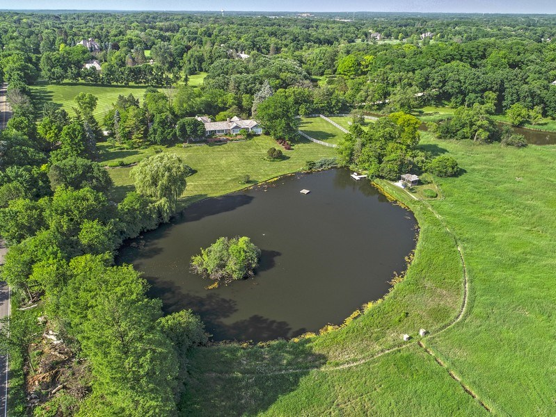 Real Estate Photography - 32 Oak Knoll Road, Barrington Hills, IL, 60010 - Lake View - Aerial