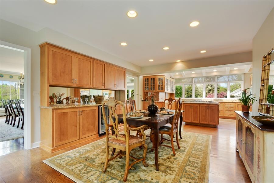 Real Estate Photography - 32 Oak Knoll Road, Barrington Hills, IL, 60010 - Kitchen / Breakfast Room
