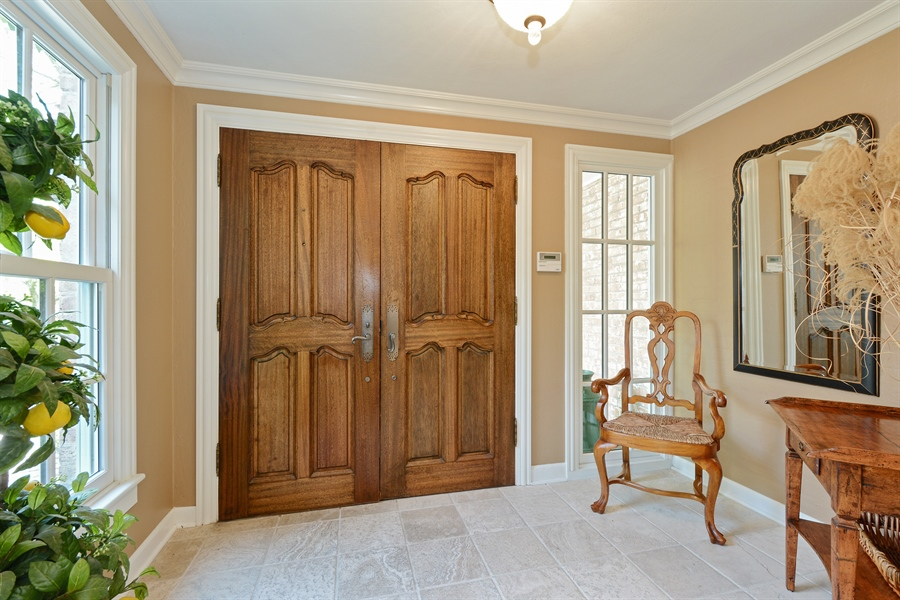 Real Estate Photography - 32 Oak Knoll Road, Barrington Hills, IL, 60010 - Foyer