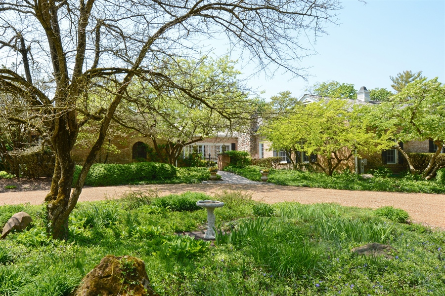 Real Estate Photography - 32 Oak Knoll Road, Barrington Hills, IL, 60010 - Front View