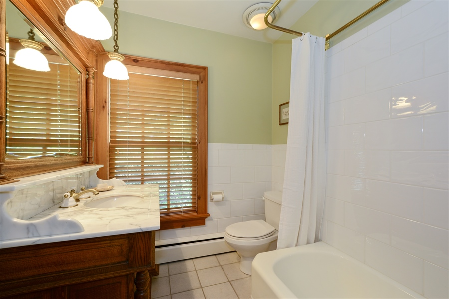 Real Estate Photography - 32 Oak Knoll Road, Barrington Hills, IL, 60010 - 5th Bathroom