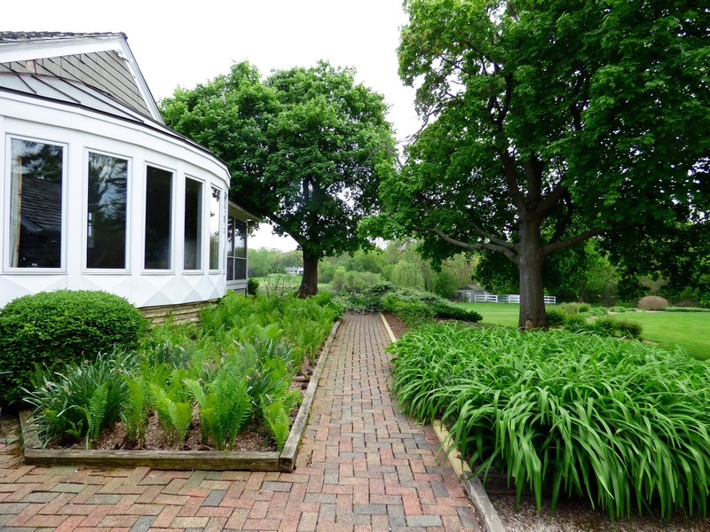 Real Estate Photography - 32 Oak Knoll Road, Barrington Hills, IL, 60010 - Gardens
