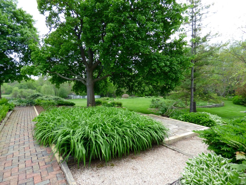 Real Estate Photography - 32 Oak Knoll Road, Barrington Hills, IL, 60010 - Deck & Gardens