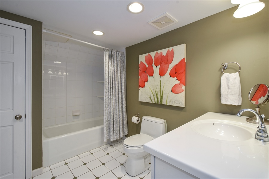 Real Estate Photography - 630 Elm Road, Barrington, IL, 60010 - Lower Level Full Bath