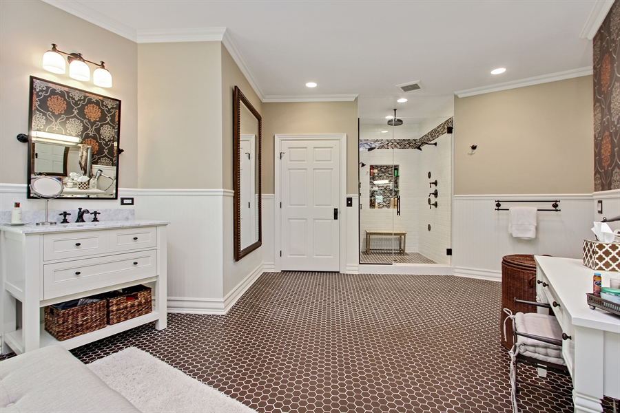 Real Estate Photography - 559 Oak Knoll Rd, Barrington Hills, IL, 60010 - Master Bathroom